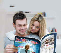 couple reading the magazine
